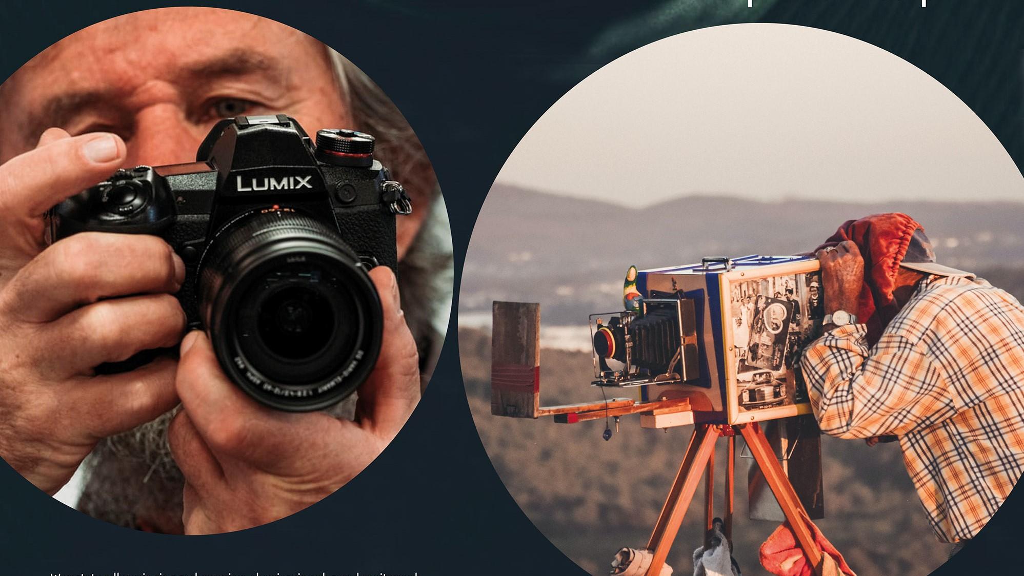 mężczyzna trzymający aparat i osoba wykonująca zdjęcie przy pomocy zabytkowego aparatu
